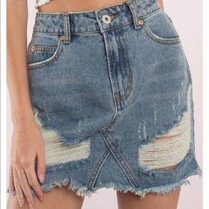 Tobi medium wash denim mini skirt